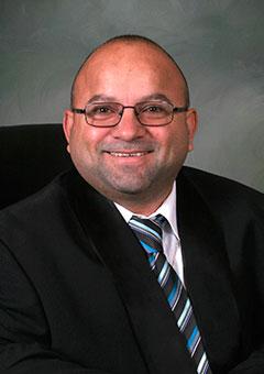 Carlos Victoria : Mayor Pro Tem